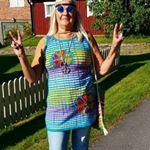 J?ttefin hippieutstyrsel med hippieglas?gon som pricken ?ver i!