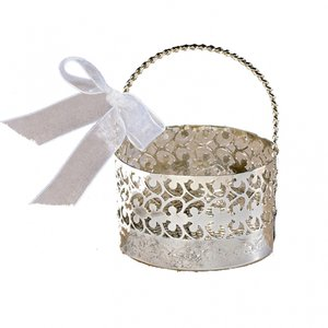 Silverfärgad gåvokorg