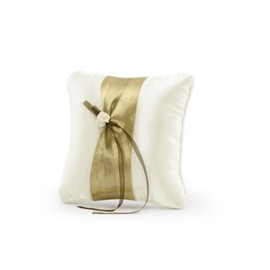 Kudde för vigselringar - Gräddfärgad med guldigt band 20 cm