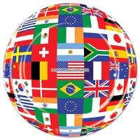 Runda papperstallrikar internationella flaggor