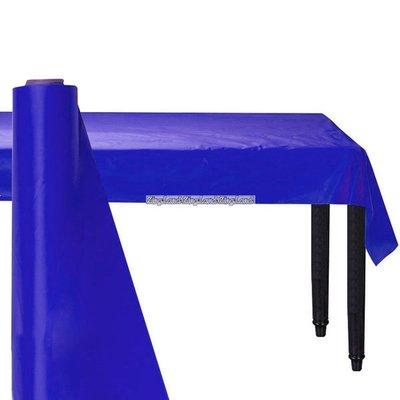 Mörkblå bordsduk i plast på rulle